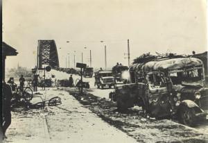 Waalbrug Nijmegen na de verovering - 21 september 1944